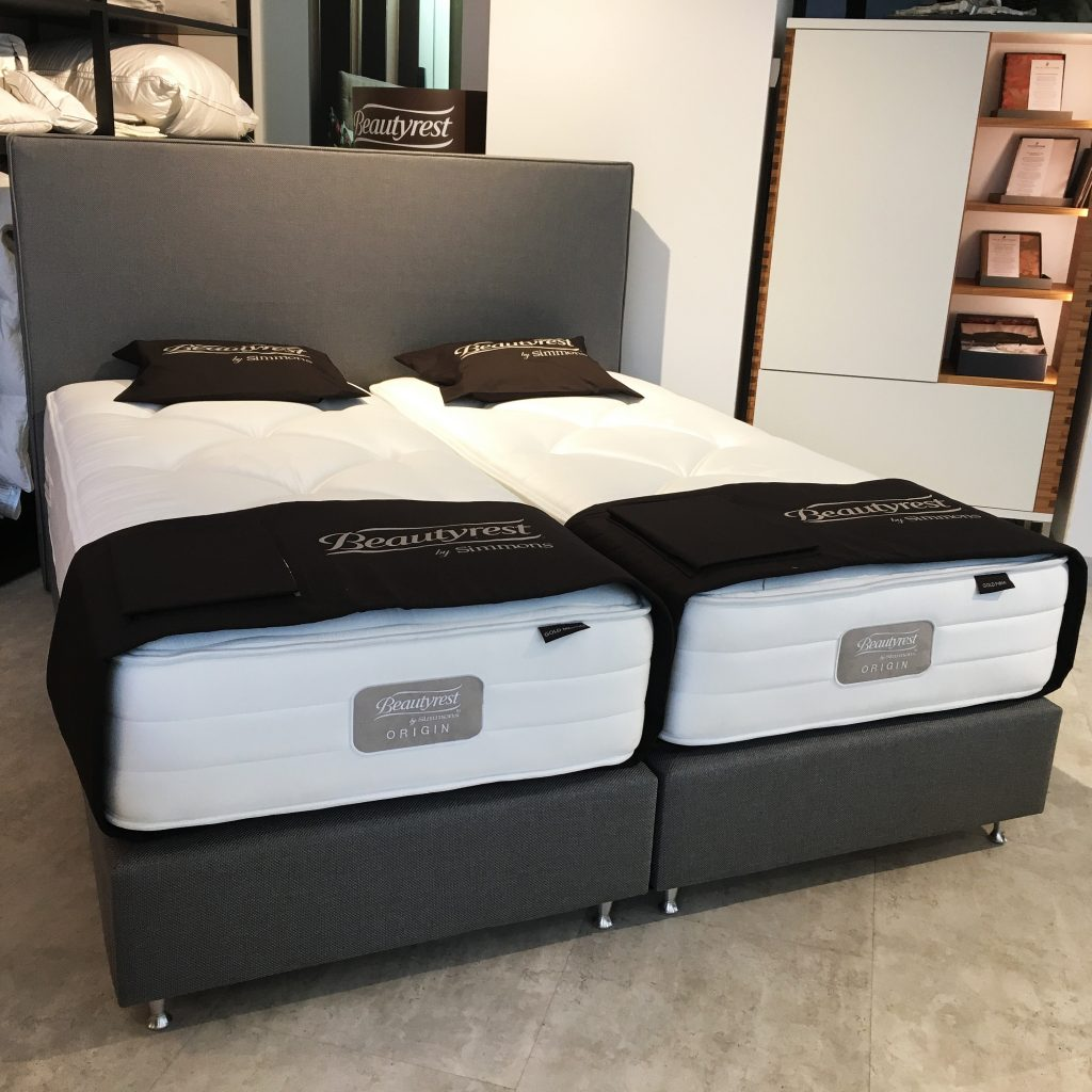 ausstellungsst ck boxspringbett squadra luxus. Black Bedroom Furniture Sets. Home Design Ideas